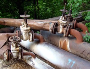 В России участились случаи продажи старых труб теплосетей под видом новых